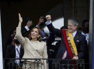 cirugia de presidente ecuatoriano concluye favorablemente
