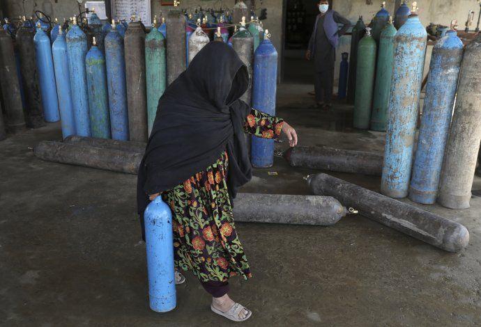 EEUU enviará 3 millones de dosis de vacunas a Afganistán
