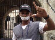 el regimen cubano detiene, golpea e intenta vestir de preso a maykel castillo