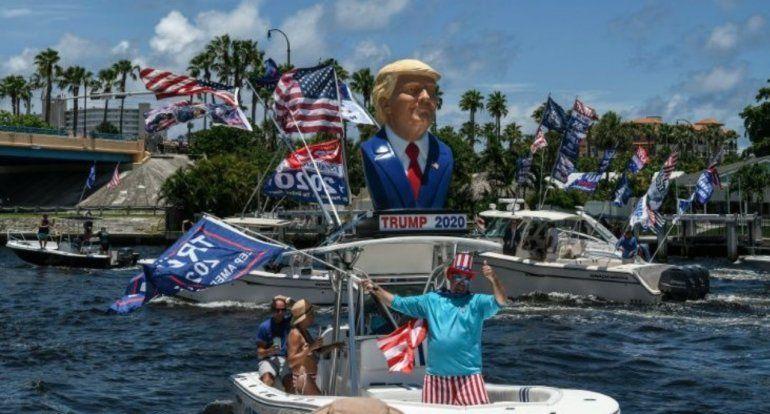 Florida celebra el cumpleaños de Trump con caravanas