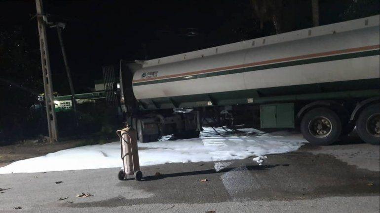 Accidente en Varadero provoca un peligroso derrame de gasolina