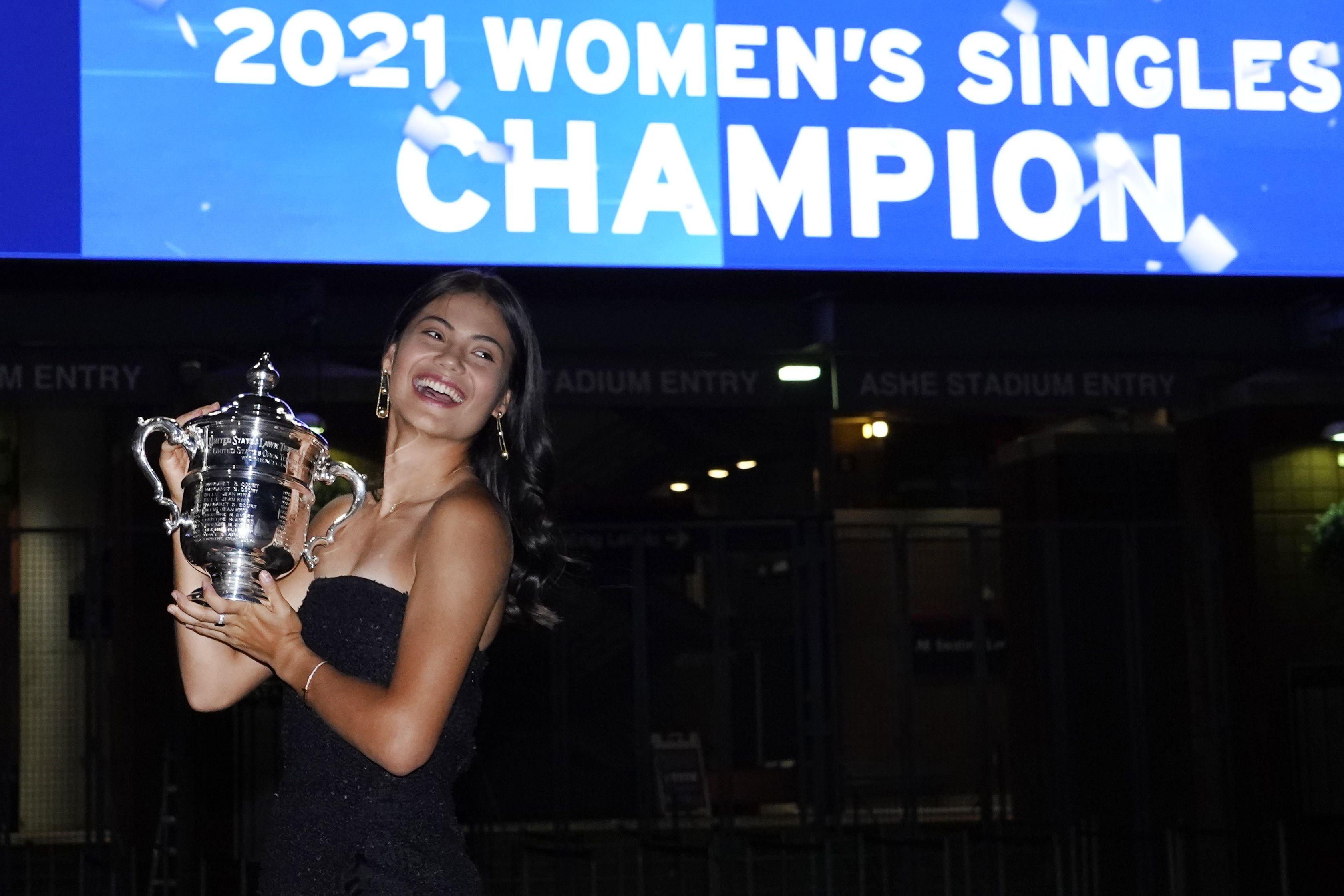 Raducanu regresa a casa tras conquistar el US Open