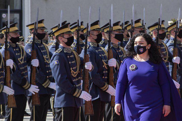 Asume presidenta de Kosovo, la jefa de estado más joven