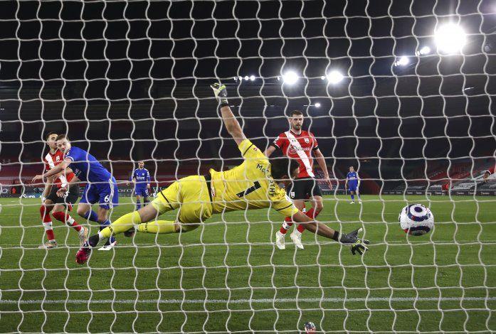 Leicester reacciona e iguala frente a Southampton