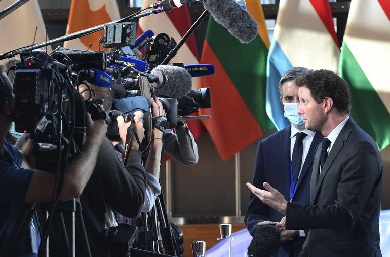 Francia acude a UE tras cancelación de acuerdo con Australia