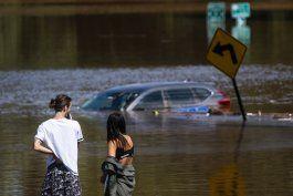 legisladores prometen actuar tras inundaciones por ida