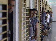 cuba: en prision domiciliaria, en espera de juicio y acusados de desorden publico