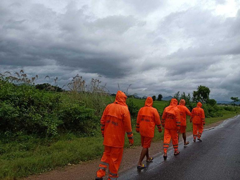 India en alerta ante amenaza de ciclón