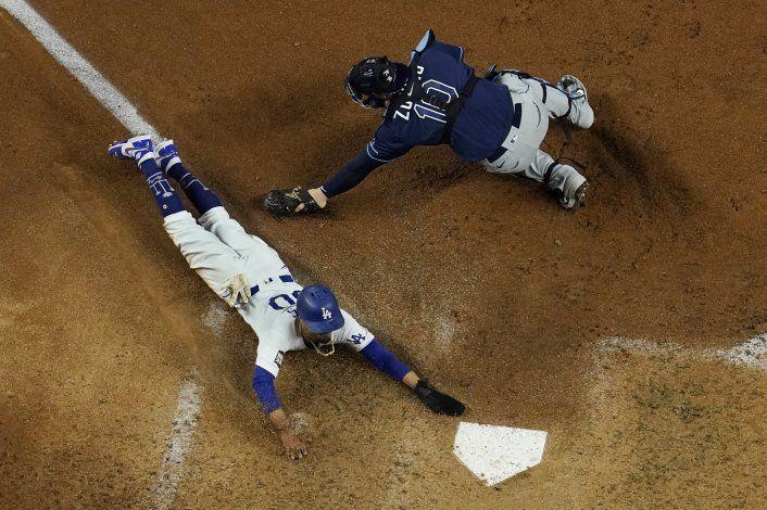 Betts da grandes dividendos en Dodgers en todos los aspectos