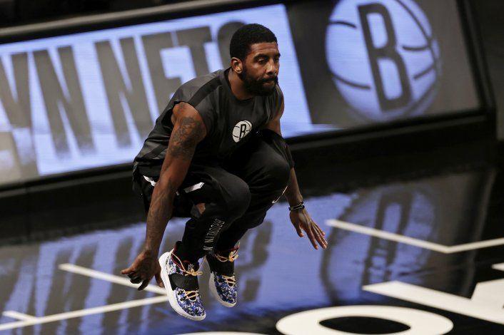 NBA multa a Kyrie Irving por violar protocolos por COVID-19