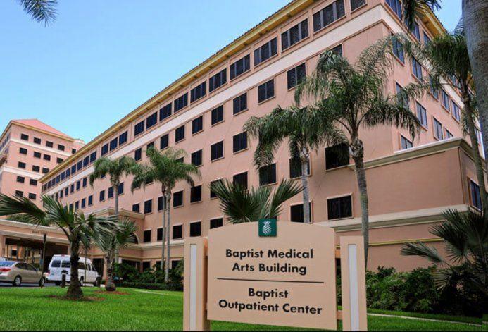Baptist Health cancela citas debido a la escasez de vacunas mientras se abre el centro de atención en Marlins Park