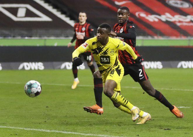 Borussia Dortmund empata 1-1 con Eintracht en la Bundesliga