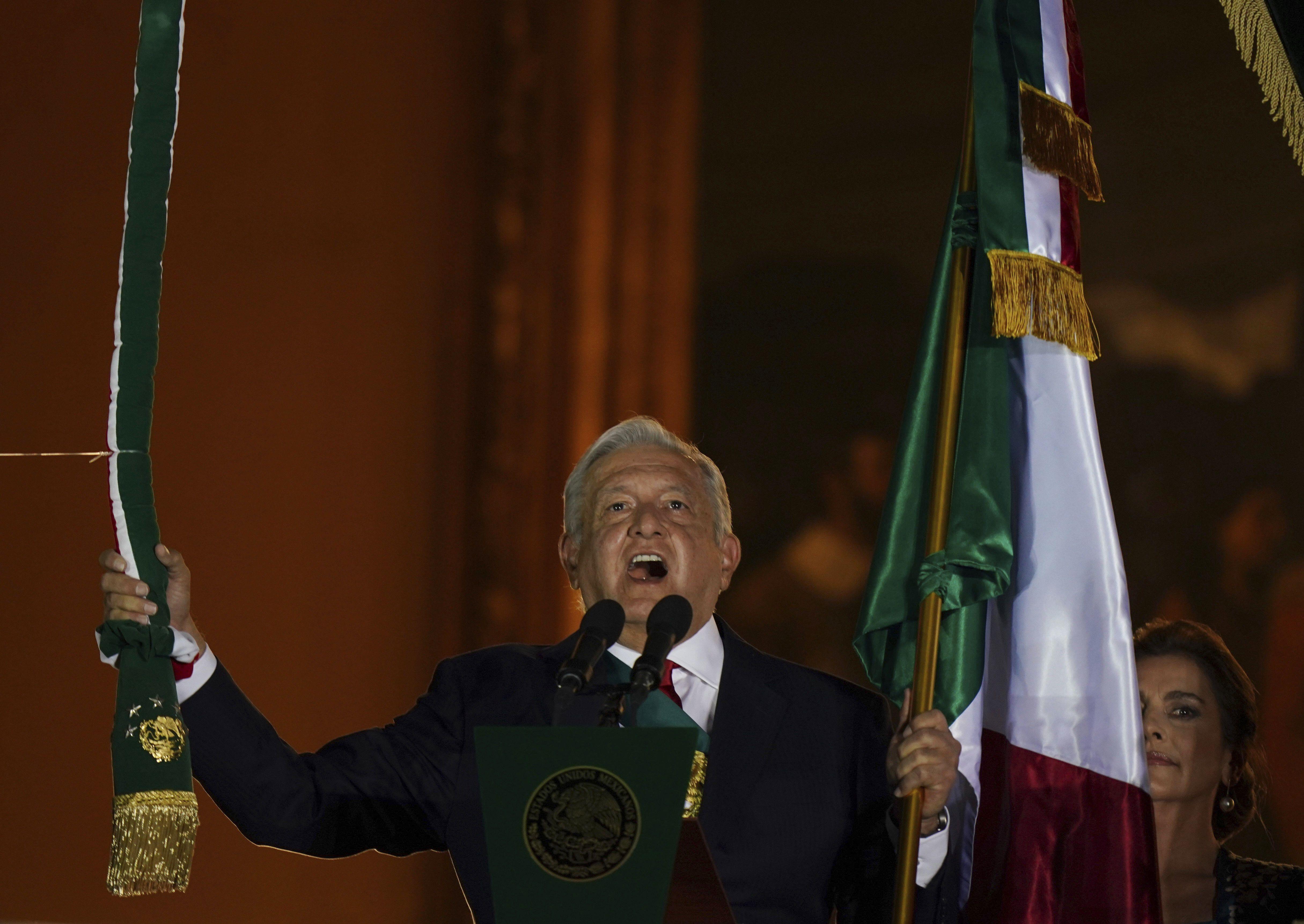mexico: presidente cuba, invitado especial dia independencia