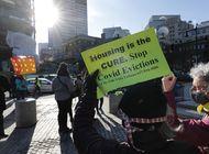 gobierno de biden quiere impedir desalojo de viviendas