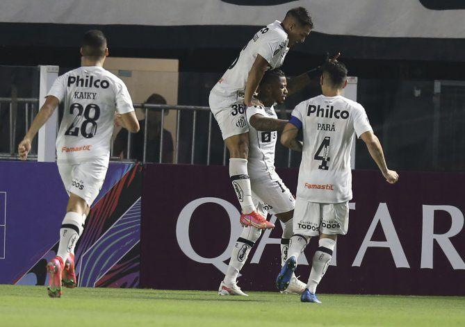 Santos y Mineiro se apuntan triunfos en Libertadores