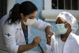 brasil anuncia llegada de 2 millones de vacunas contra covid