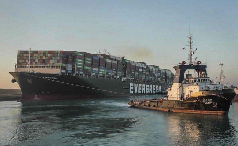 Egipto espera indemnización por bloqueo en Canal de Suez