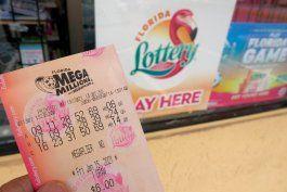 joven de 23 anos fue a un publix en el area de tampa y gano $235 millones del powerball