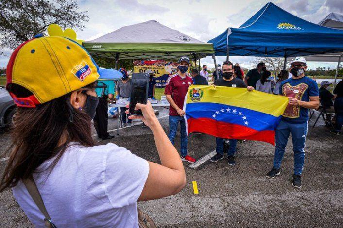 Senadores demócratas presentaron una propuesta para conceder el TPS a los venezolanos en Estados Unidos