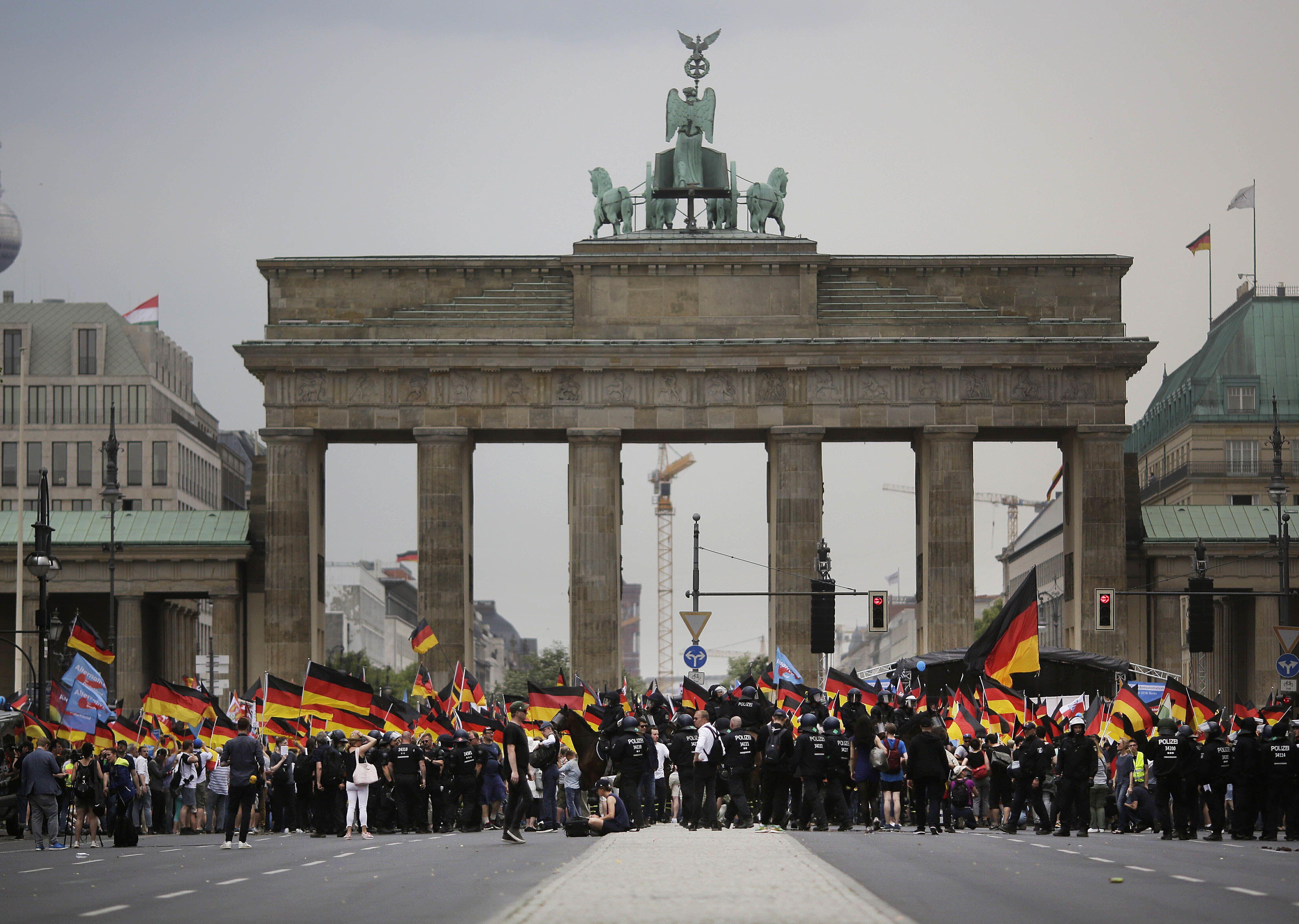 extrema derecha alemana la emprende contra la inmigracion