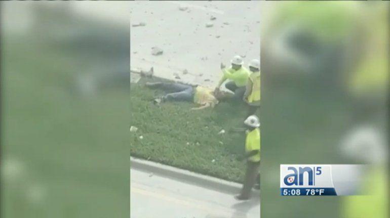 Un día despues del derrumbe: el edificio colapsado en Miami Beach cayó durante una demostracióna