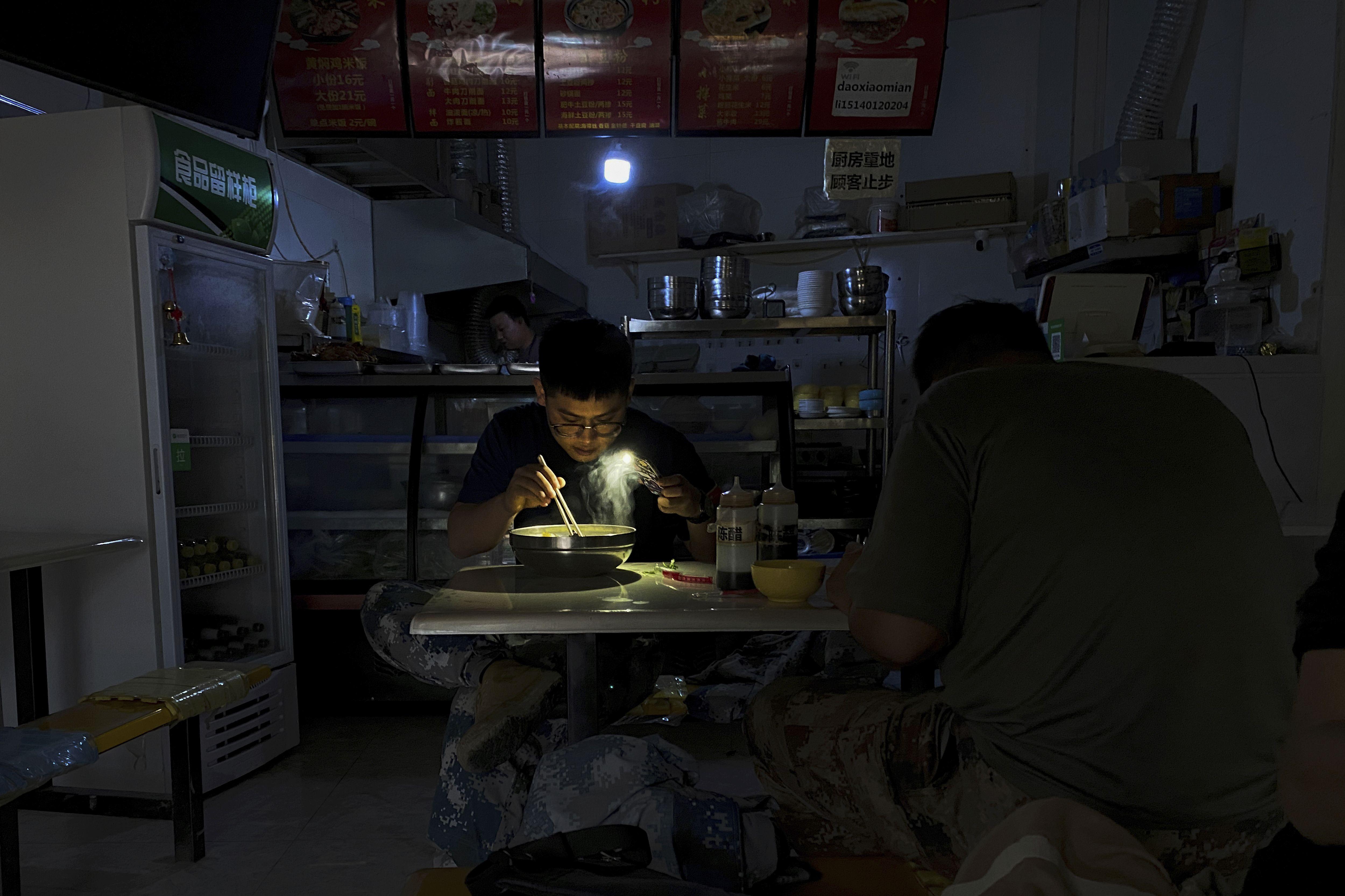china dice que no cortara la luz a los hogares en invierno