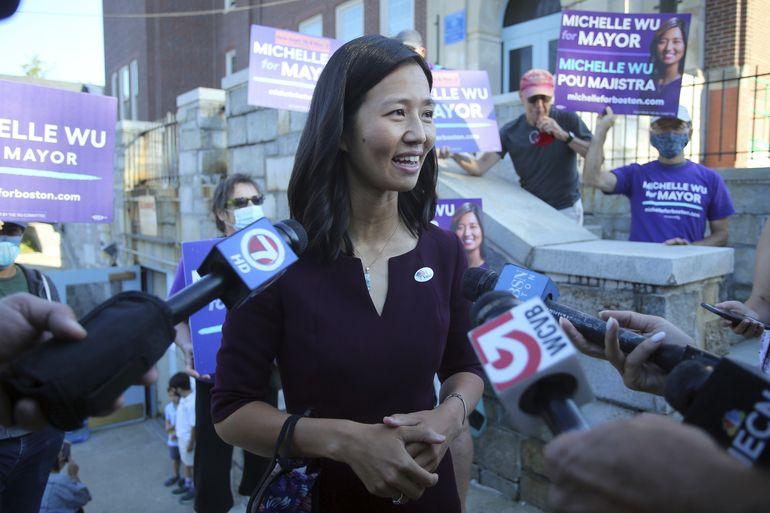 Wu avanza en carrera a alcaldía de Boston, espera rival