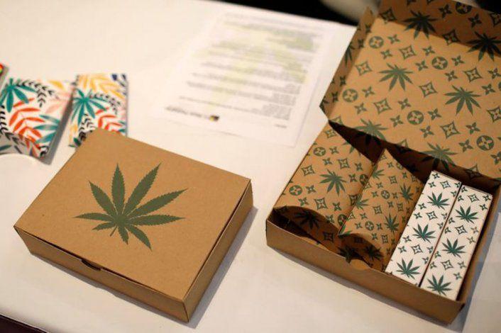 Cajas con productos de marihuana se ven en The Cannabis World Congress & Business Exposition (CWCBExpo) en New York, EEUU, Mayo 30, 2019. REUTERS/Mike Segar
