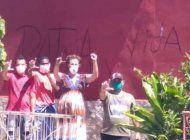 pintan de rojo la casa de jose daniel ferrer y activistas vuelven a pintar patria y vida en los muros de la sede de unpacu