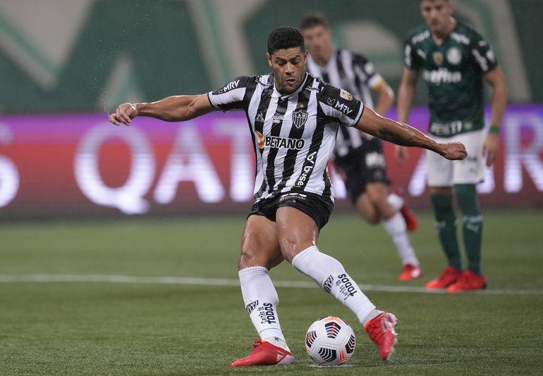 Hulk falla penal por Mineiro, que empata ante Palmeiras