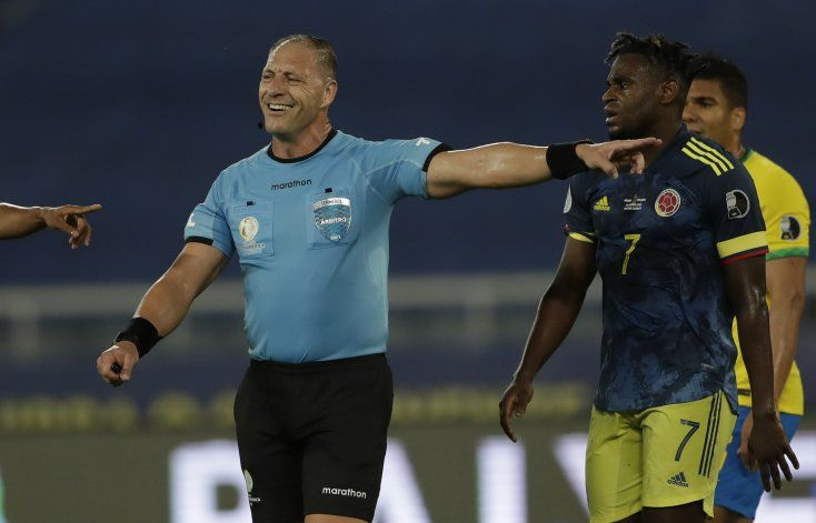 Colombia estalla de ira contra arbitraje en Copa América