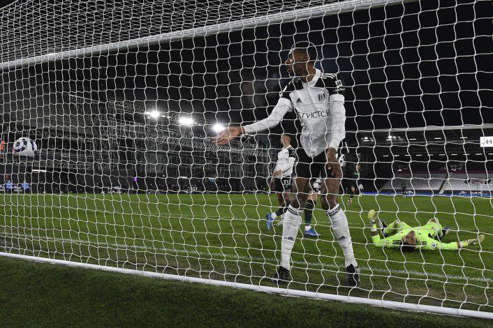 Tottenham y Everton no pierden de vista la zona Champions