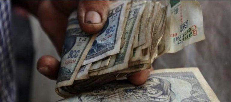 Aumento salarial en Cuba se diluirá con alza de precios tras la unificación monetaria