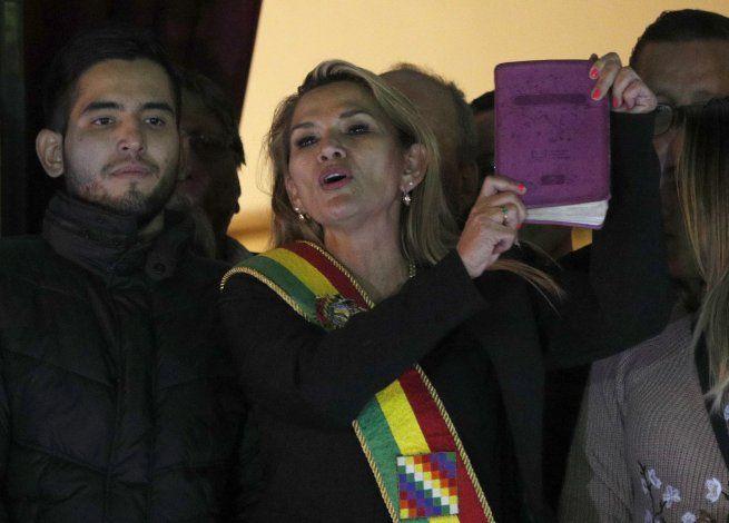 Bolivia: renuncia Áñez a candidatura nueve tablero político