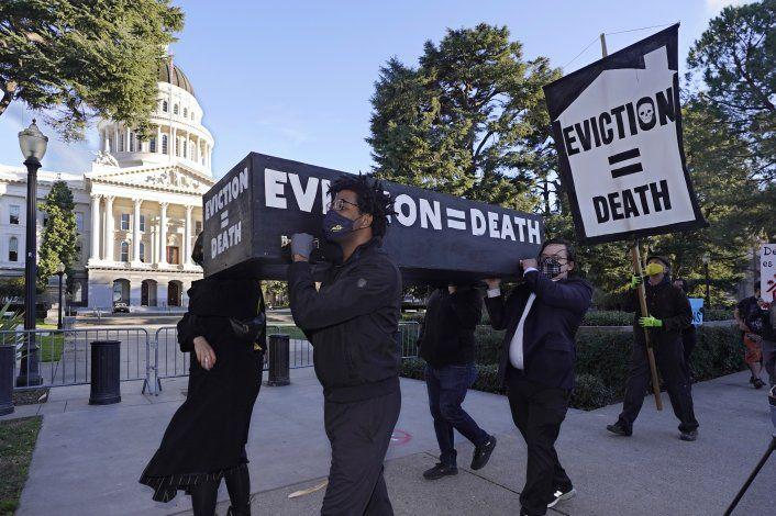 Piden prorrogar moratoria a desahucios inmobiliarios en EEUU