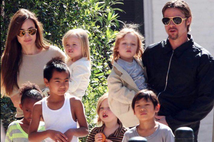 Qué pasó en el fatídico vuelo que selló la separación entre Brad Pitt y Angelina Jolie