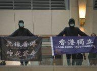 hong kong: arrestan a hombre por pancarta sediciosa