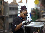 ayudan a mujeres ante prejuicios en el sector construccion