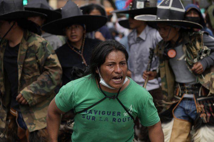 Ecuador: Indígenas desafían pandemia y danzan por Inti Raymi