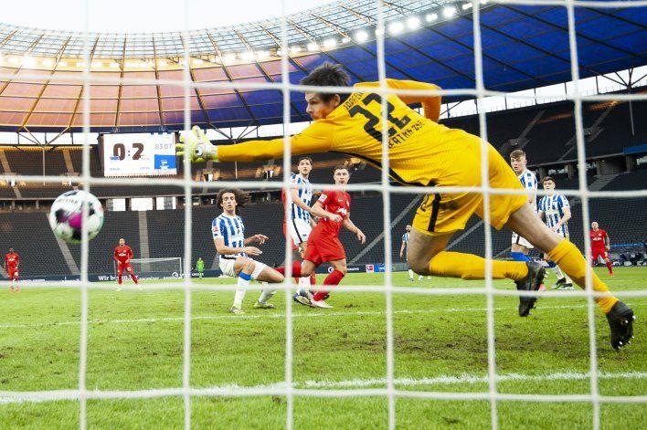 Leipzig le pisa los talones al Bayern en la Bundesliga