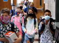 cdc: mascarilla reduce brotes de covid-19 en escuelas