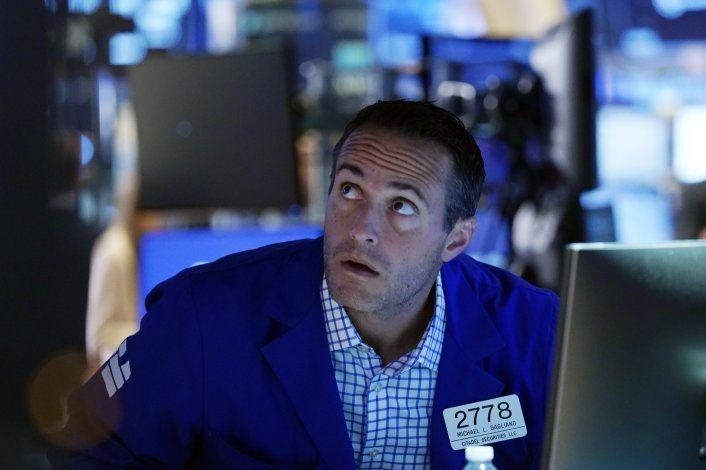 Wall Street abre en alza tras estrepitosa caída