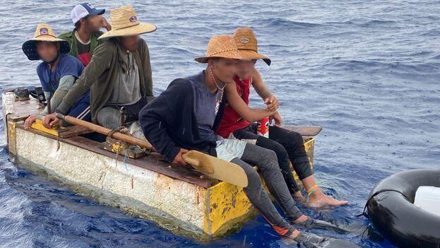 Desde el 1 de octubre pasado la Guardia Costera ha interceptado a 595 cubanos. (USCG)