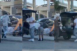 difunden videos de alexander delgado repartiendo comida a personas sin hogar en el downtown de miami