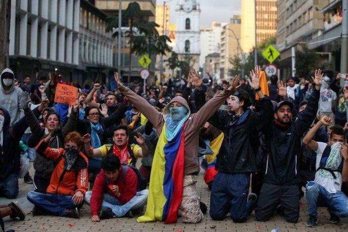 En Colombia 3 muertos y varios detenidos después de protestas