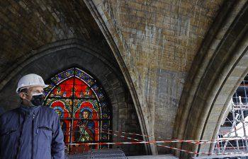 Macron visita Notre Dame a dos años del incendio