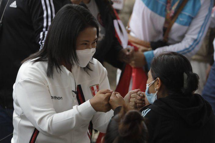 Angustia sube en Perú por ruido en comicios presidenciales