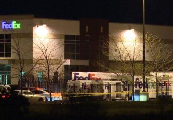 Mueren ocho personas en un tiroteo en instalaciones de FedEx cerca del aeropuerto de Indianápolis