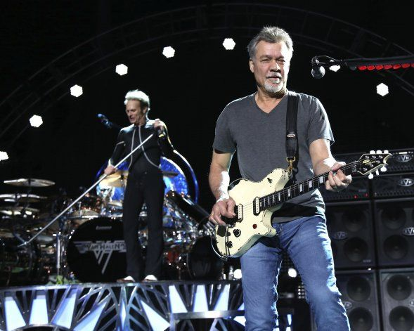 A subasta 2 guitarras de Eddie Van Halen