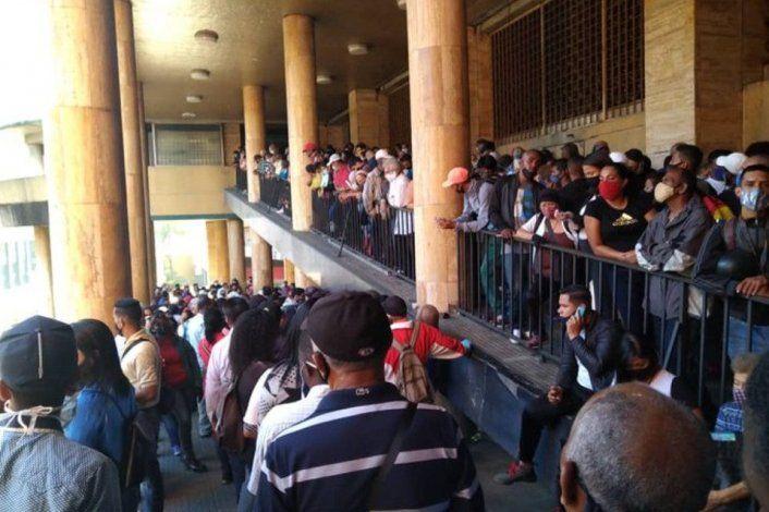 Repletas de personas las sedes del Saime en Caracas